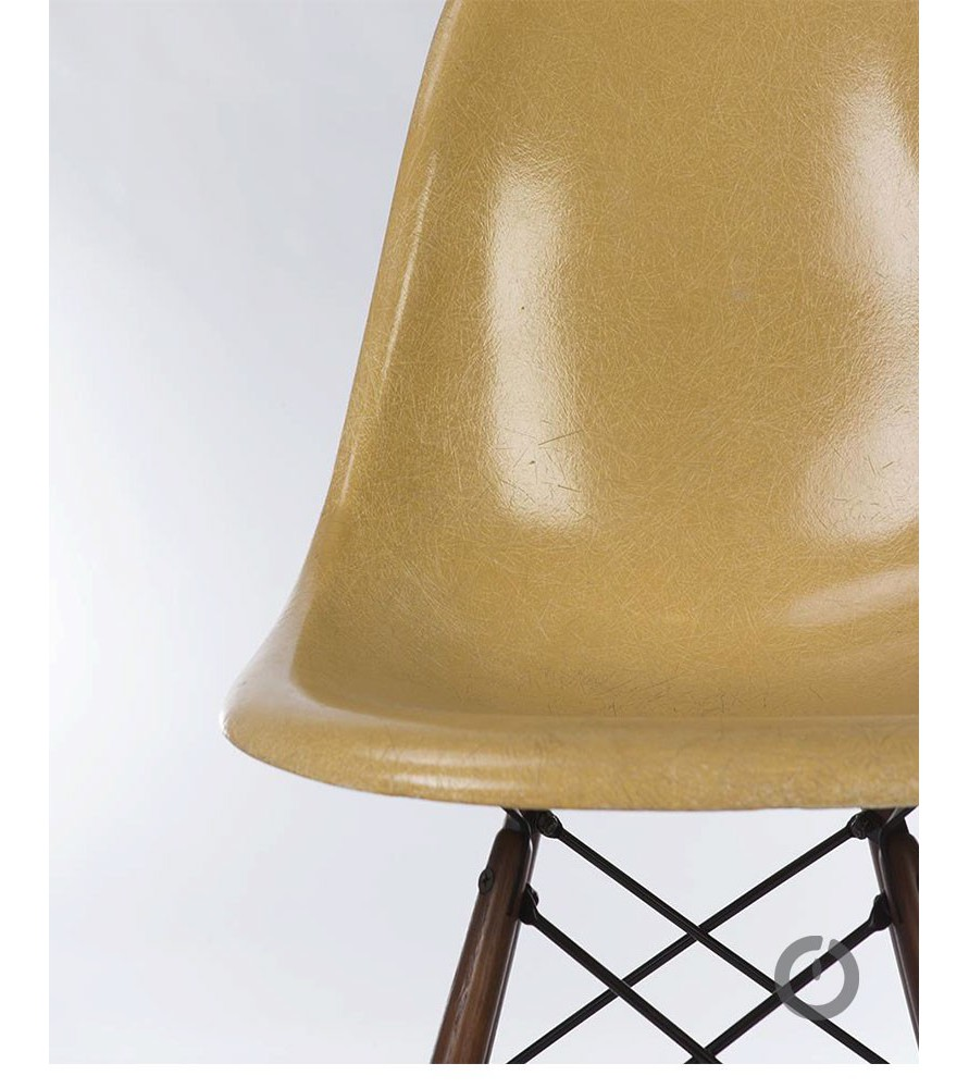 Chaise Eames Dark Ochre