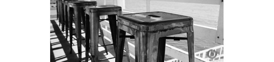Les chaises et tabourets